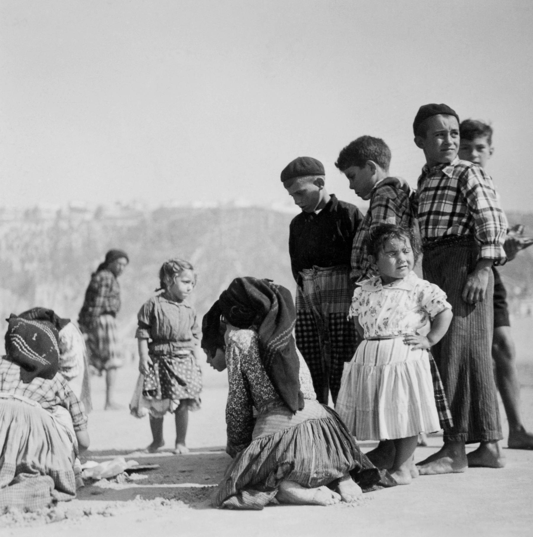 Fishermen's Kids, Nazaré, Portugal, 1947