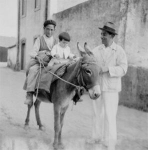 Nuno Hits the Road, Lisbon, circa 1930's