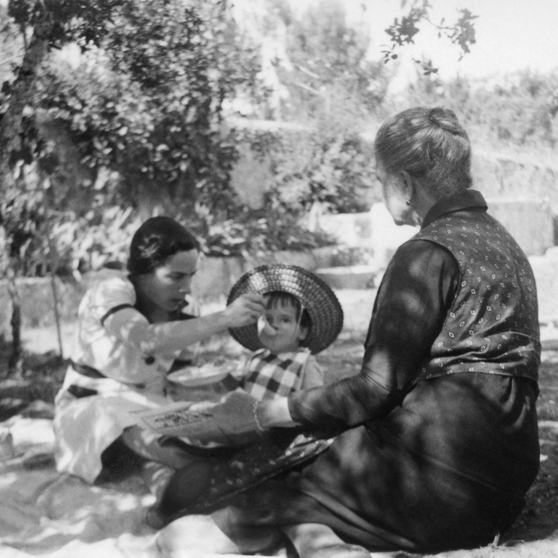 Spoonfed, Lisbon, circa 1930's